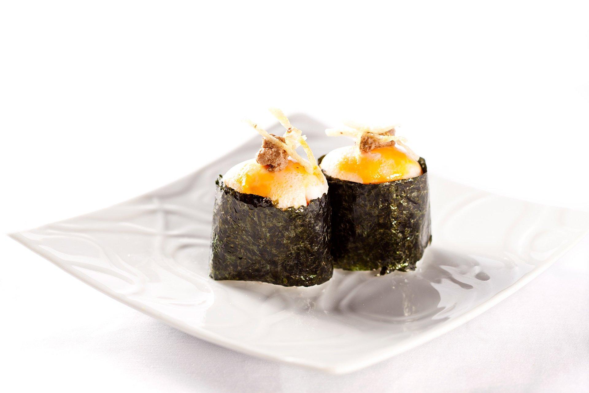 Gunkan de huevo trufado de restaurante Ronda 14